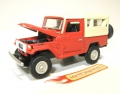 Johnny Lightning 2005 Classic 1980 TOYOTA BJ40 LAND CRUISER (loo